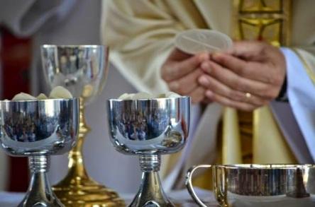 paroquia-sao-sebastiao-e-sao-francisco-manaus-missas-de-cura-e-libertacao-o-que-igreja-diz