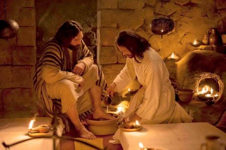 Jesus-lava-os-pés